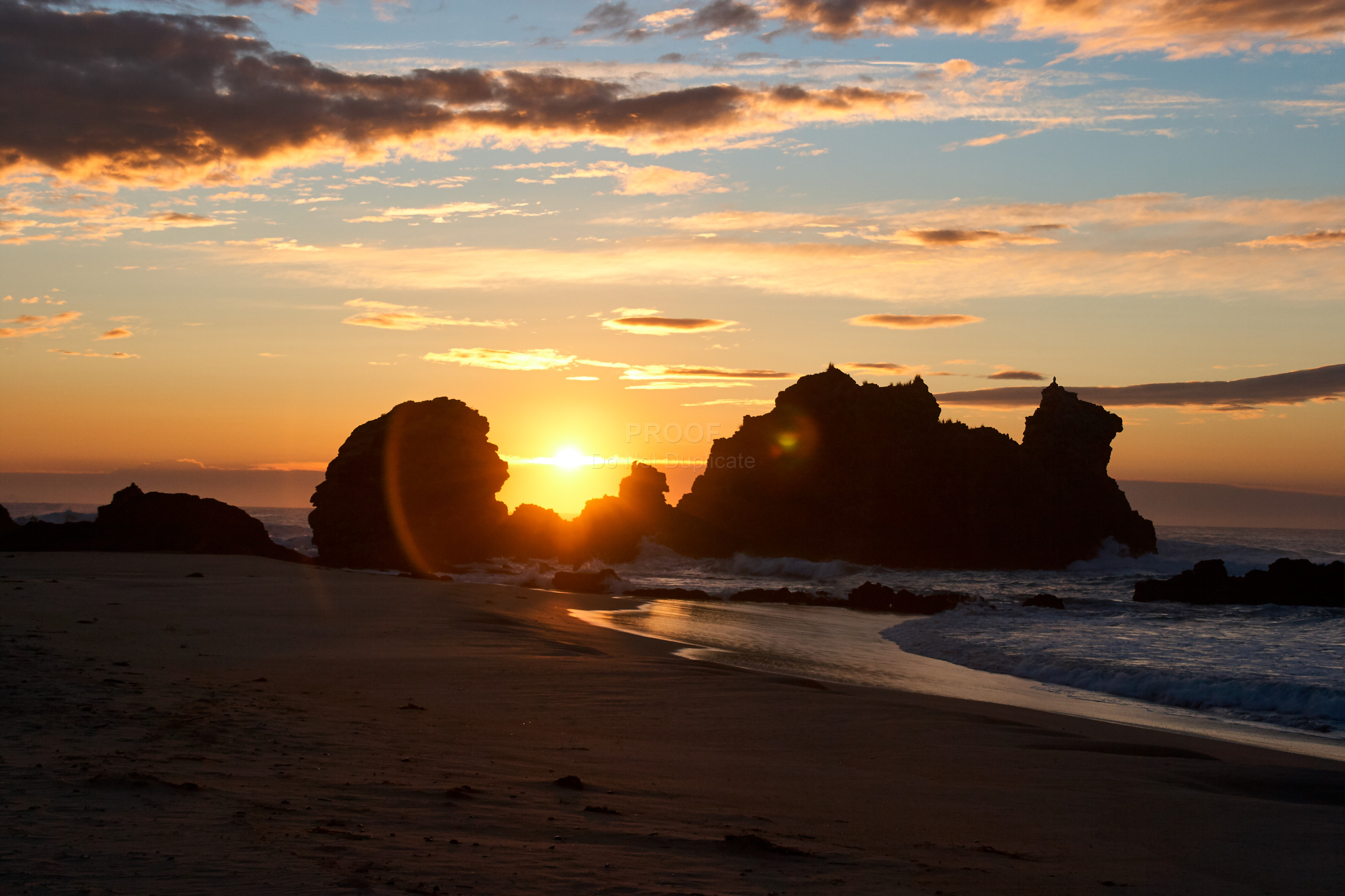 Rocky_beach_sunrise_5052