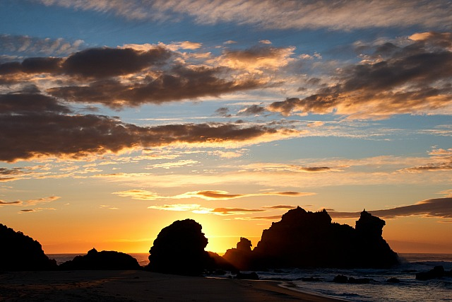 Rocky_beach_sunrise_5061